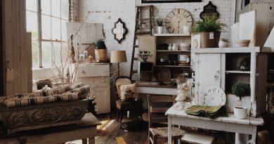 Stockage d'antiquités dans un garage
