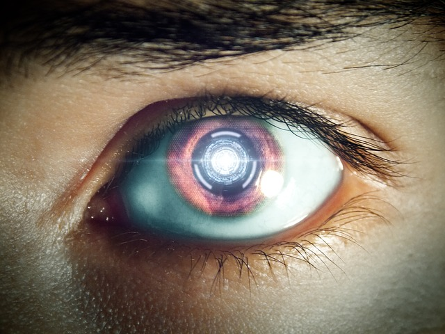 humanisme oeil robot