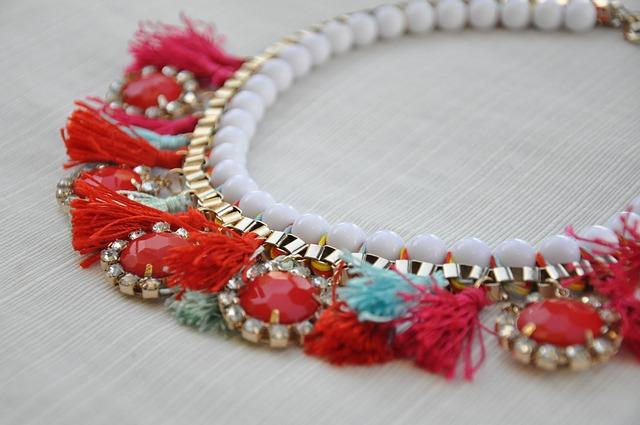 collier bijou accessoire