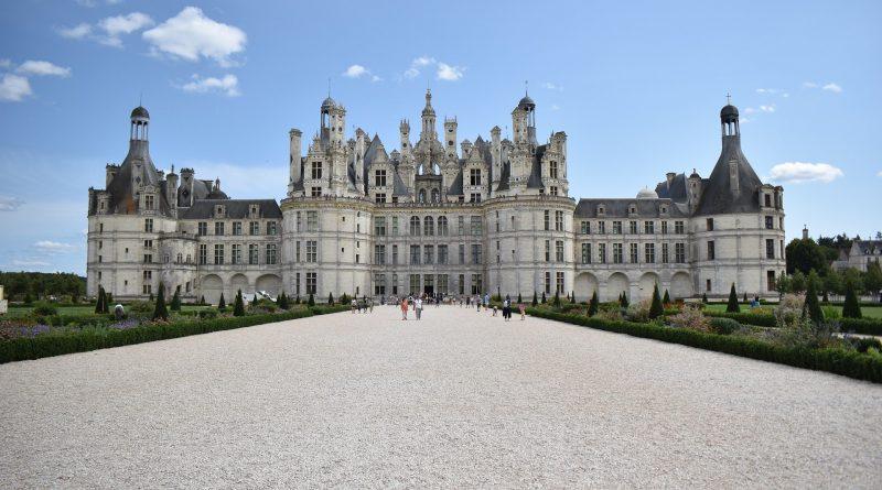 Vue d'ensemble d'un château de la Loire en France